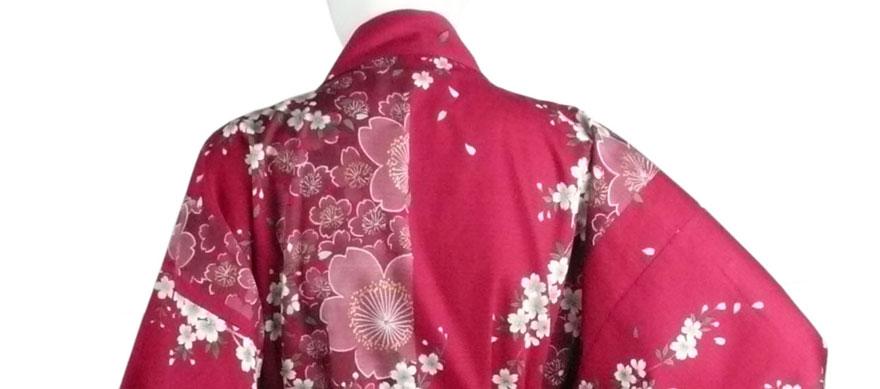 Kimono mit Kirschblüten