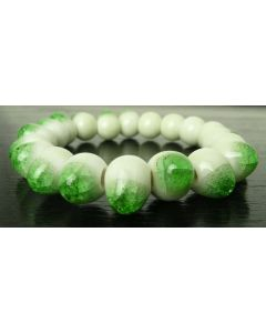 asiatisches Armband aus Porzellan-Perlen grün